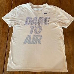 Nike Dare To Air Short Sleeve Athletic Cut T-Shirt
